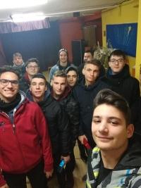 Οι νέοι μας τραγουδούν τα κάλαντα για την Γέννηση του Θεανθρώπου! -Νεανικές Κατηχητικές Συντροφιές του Ιερού Ναού Αγίου Στυλιανού Γκύζη